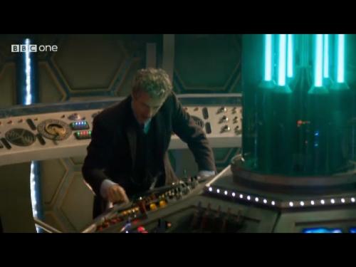 Peter Capaldi Doctor Who Tardis 01