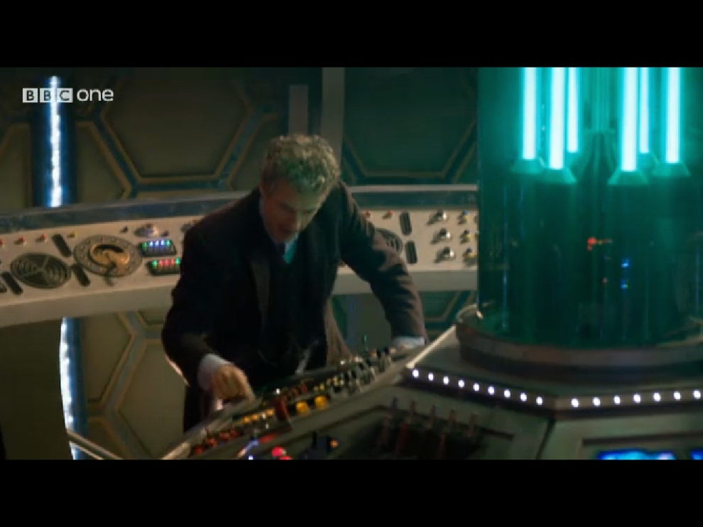 Peter Capaldi Doctor Who Tardis 01